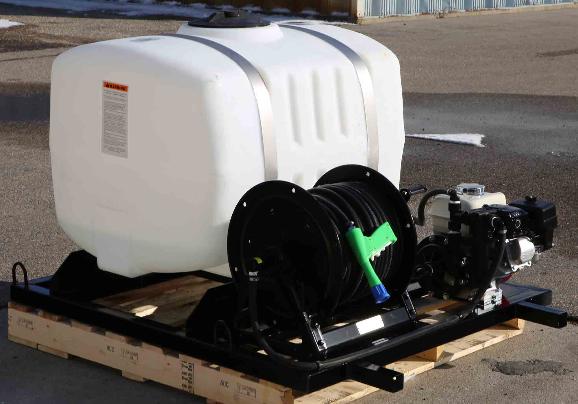100-gallon-watering-sprayer-web-2.jpg