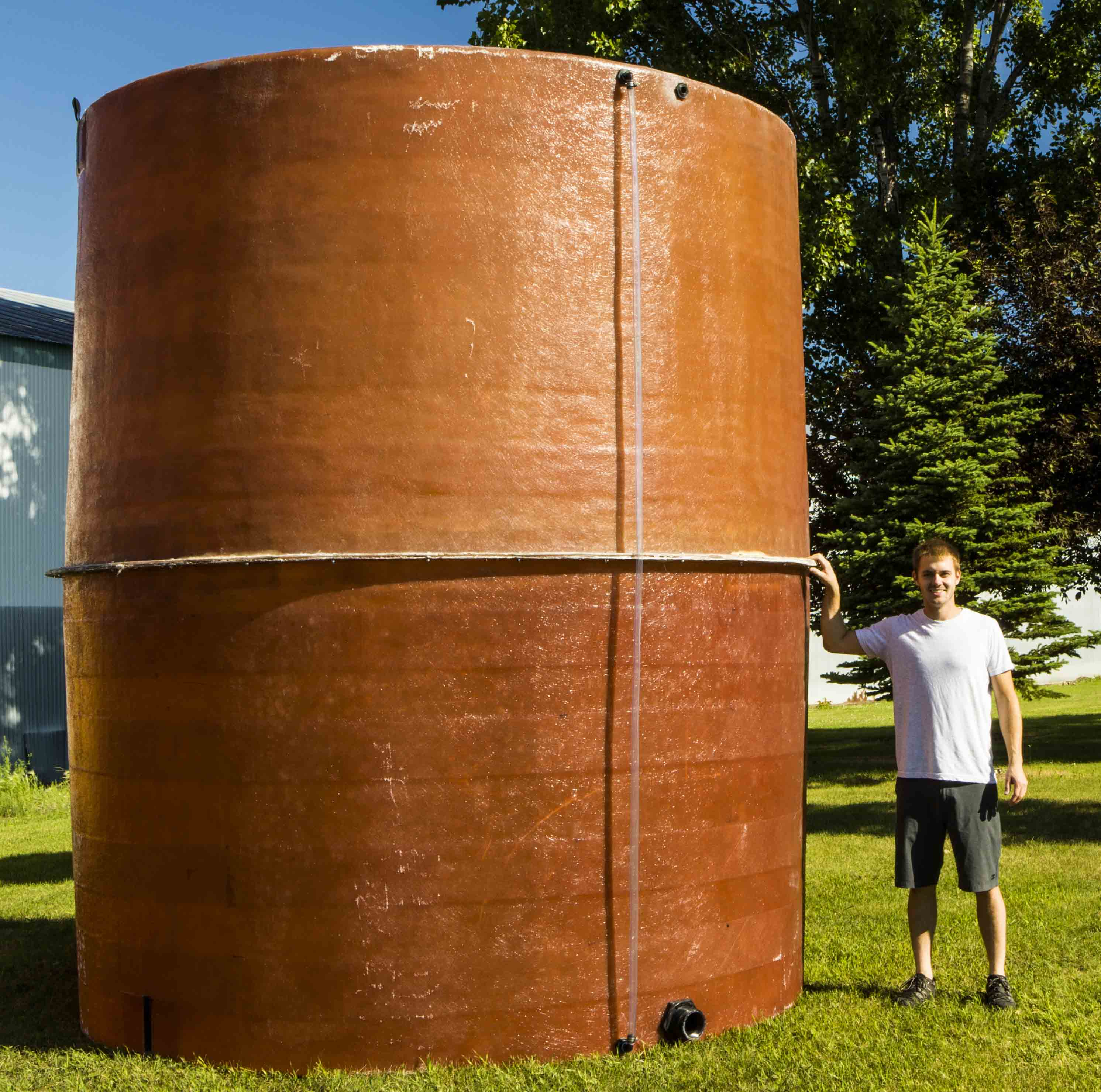 6000-gallon-vertical-tank-website.jpg