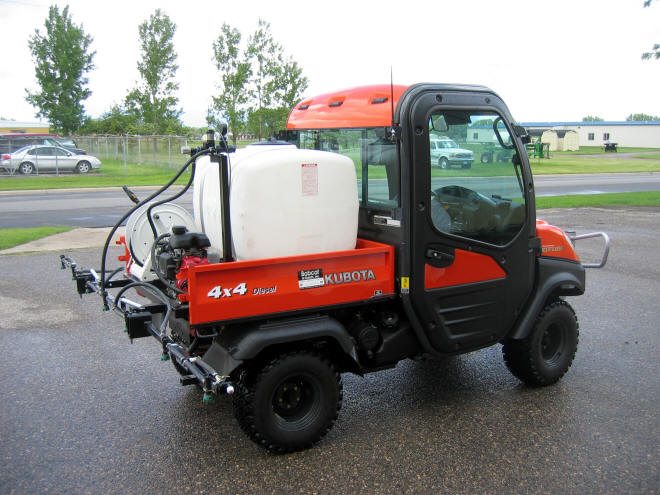 sprayer-kubota-1.jpg